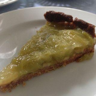 緑のルバーブとバナナのタルト(ひなぎくきつね )