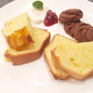 ミルクパウンドケーキ(カフェ・ル・ポミエ )