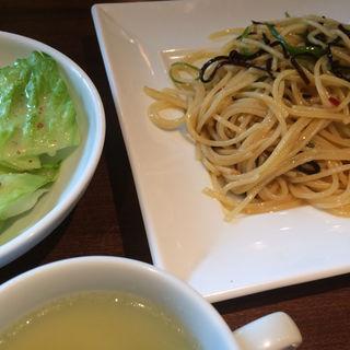 青唐辛子と塩昆布のペペロンチーノ(Beco2 神田駅前店 (ベコベコ))