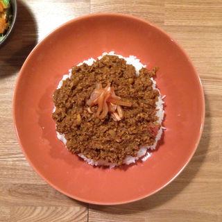 キーマカレー(サラダ付)(松と枝)