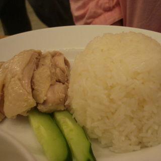 泰鶏飯(マンゴツリーキッチン カオマンガイ )