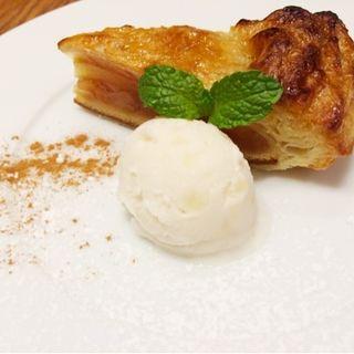 温かいアップルパイとリンゴのアイス(マラケシュ グランツリー 武蔵小杉店 )
