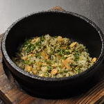 高菜とガーリックの鉄板焼飯