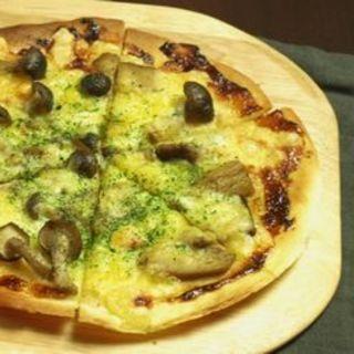 キノコの味噌風味ピザ(B24 (ビートゥーフォー))