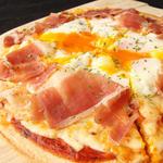 パルマ産生ハムのピザ