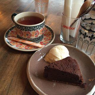 手作りガトーショコラ(ボナルーカフェ (bonnaroo cafe))