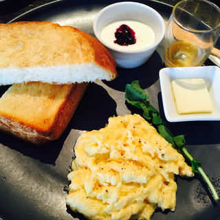 エッグスクランブルセット(Good Morning Cafe&Grill (グッドモーニング カフェ アンド グリル))
