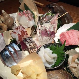 お刺身6点盛り(煮炊魚金 (うおきん))