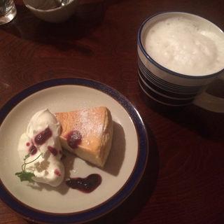 NYチーズケーキとハニージンジャーミルク(JIRRI. (ジリ))