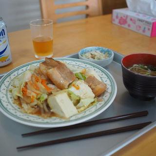 煮つけ(海洋食堂 (カイヨウショクドウ))