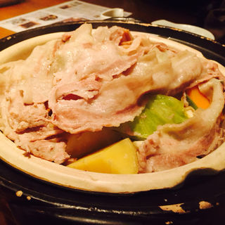 旬野菜ときなこ豚のヘルシー蒸し鍋(YASU (安))
