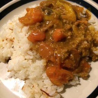 牛挽肉と茄子とトマトのカレー(オータム )