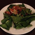 ホウレン草と自家製ベーコンのサラダ