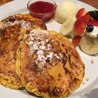 ストロベリーバナナフレンチパンケーキ(J.S. PANCAKE CAFE天王寺ミオ店 (ジェイエスパンケーキカフェ))