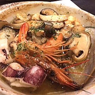 取り合わせ魚介類のアヒージョ(ジィーロ (Ji-ro))