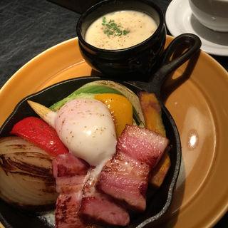 クラムチャウダー♡グリル野菜(マディソン ニューヨーク キッチン (MADISONNEW YORK KITCHEN))