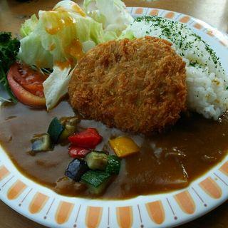 7種の夏野菜コロッケのリーフカレー(ミュージアムレストラン ル・サンク (MUSEUM RESTAURANT))
