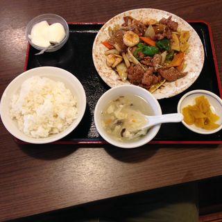 牛肉野菜黒コショウ炒め定食(勇記餃子房 (ユウキギョウザボウ))