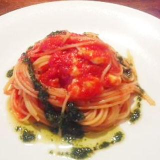モツアレラチーズとジェノベーゼのトマトソーススパゲティ(グラッパ)