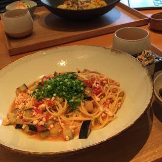 鶏そぼろと茄子の味噌トマト(こなな 自由が丘店 )