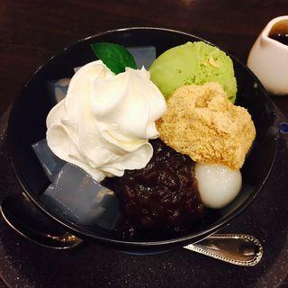 抹茶あんみつ(ビクトリア カフェ (Victoria Cafe))