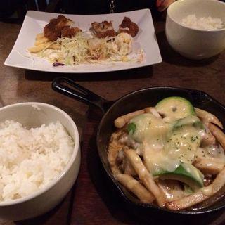 鉄板アボカドバーグ定食(ポポロヒロバ )