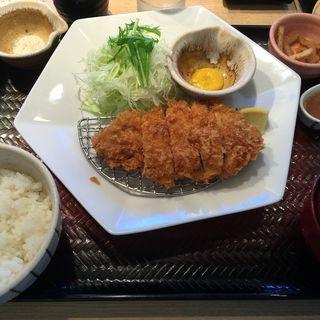 四元豚のロースかつ定食(大戸屋 東急日吉駅ビル店 (おおとや))