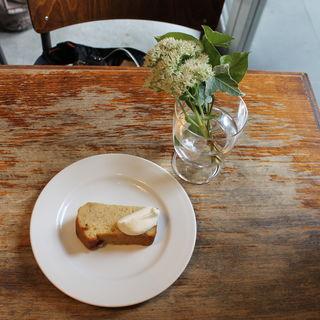 バナナケーキ(エルマーズグリーンカフェ (ELMERS GREEN CAFE))