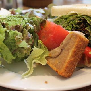 ツナチェダーサンド(エルマーズグリーンカフェ (ELMERS GREEN CAFE))