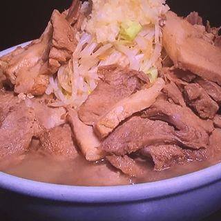 ラーメン大豚トリプル(自家製太麺 ドカ盛 マッチョ 三ノ宮店 )