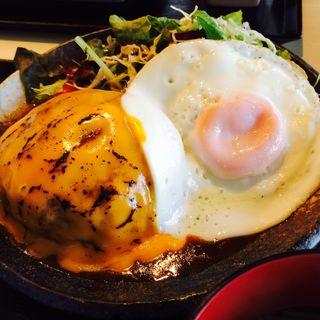 特製Wチーズハンバーグ定食 (平日限定)(炙 (Aburi))