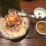 よんぱち海鮮丼
