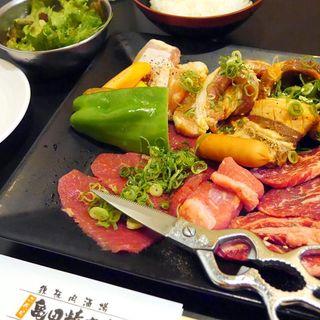 メガ盛り焼肉定食(鉄板肉酒場 二代目亀田精肉店 )