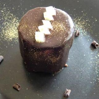 チョコレートと洋梨のケーキ(プティトリー)