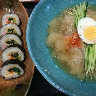 冷麺セット(海苔巻き)(ダンジ )