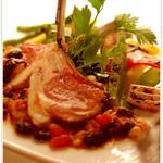 ブルターニュ産 鴨胸肉のロティ ヴァン・ショーのソースで