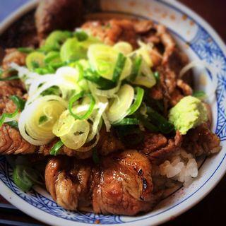 豚丼(炭火焼豚丼 信玄 )