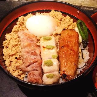 炭火焼鳥そぼろ丼(青山 鶏味座 本店 (とりみくら))