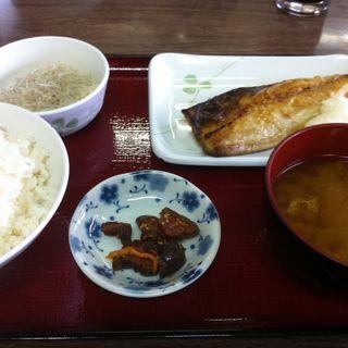 サバ塩焼き定食(ひもの食堂 )