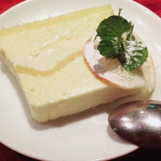 レモンムースケーキ(ビストロ カルネジーオ (BISTRO CarneSio))