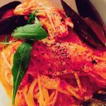 オマール海老とムール貝のトマトクリームパスタ