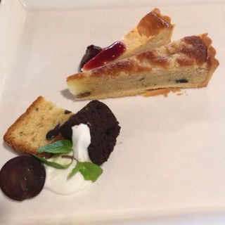 本日のケーキセット〜タルトとシフォンケーキ〜(森のレストラン あれっと)