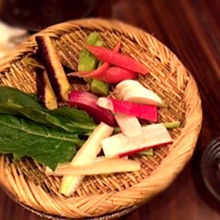 情熱野菜の盛り合わせ(地酒と地魚 吟吟)
