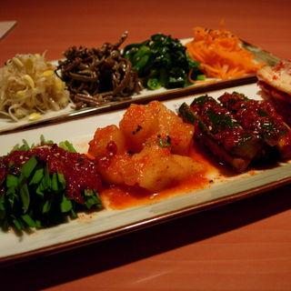 キムチの盛り合わせ(韓国炭火焼肉 韓国料理 韓サラン 赤坂店)
