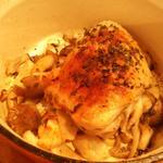 鶏ももとキノコのココット焼き