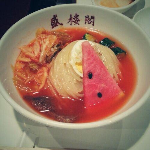 盛楼閣冷麺 盛岡冷麺! 麺はもちろん、スイカも予想外のおいしさでした。