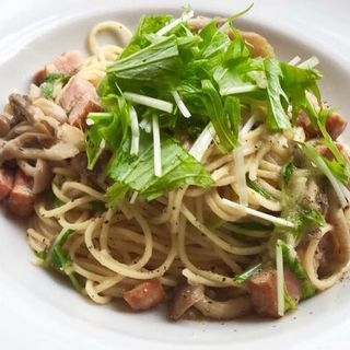 ベーコン、きのこ、水菜のパスタ(カフェエデン 江坂店 (eden))
