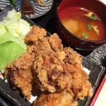 鶏の唐揚げ定食
