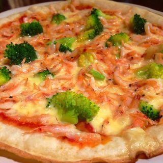生桜海老とブロッコリーのピザ