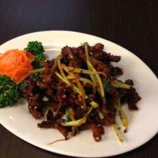牛肉細切り唐辛子炒め(多謝 大井町店 (トォシェ))
